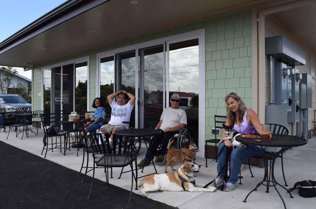 """Dawn and her """"Comedy Canines"""" along with their friends enjoy Sweet Cane Cafe's fresh, organic, locally grown smoothies."""